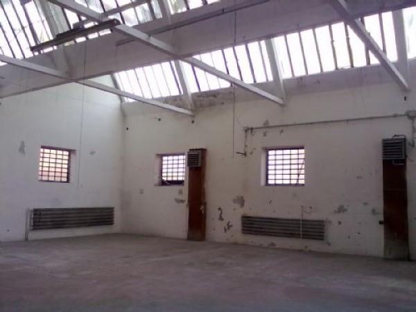 Capannone in vendita a Busto Arsizio, 1 locali, prezzo € 230.000 | Cambio Casa.it