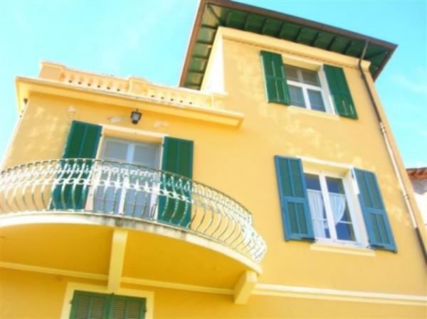 Villa in vendita a Bordighera, 6 locali, prezzo € 400.000 | CambioCasa.it