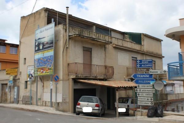 Palazzo / Stabile in vendita a Balestrate, 6 locali, prezzo € 210.000 | CambioCasa.it