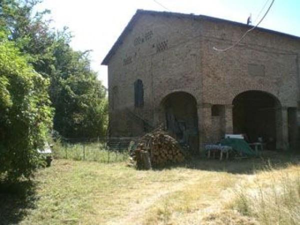 Rustico / Casale in vendita a Castelvetro di Modena, 6 locali, prezzo € 140.000 | CambioCasa.it