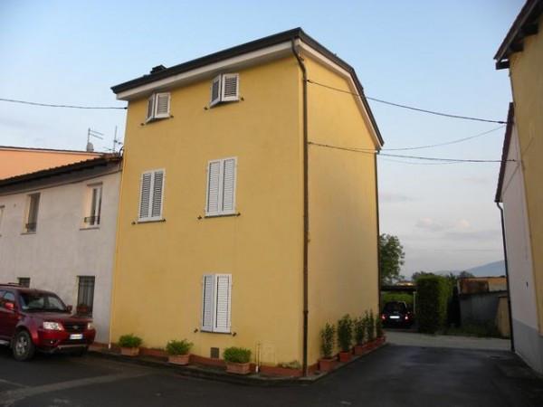 Casa indipendente in Vendita a Lucca Periferia Est: 5 locali, 120 mq