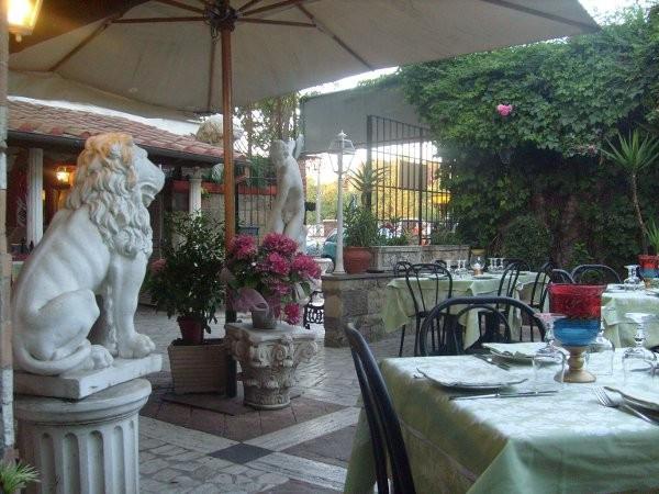 Ristorante / Pizzeria / Trattoria in vendita a Roma, 9999 locali, zona Zona: 25 . Trastevere - Testaccio, prezzo € 1.500.000   Cambio Casa.it