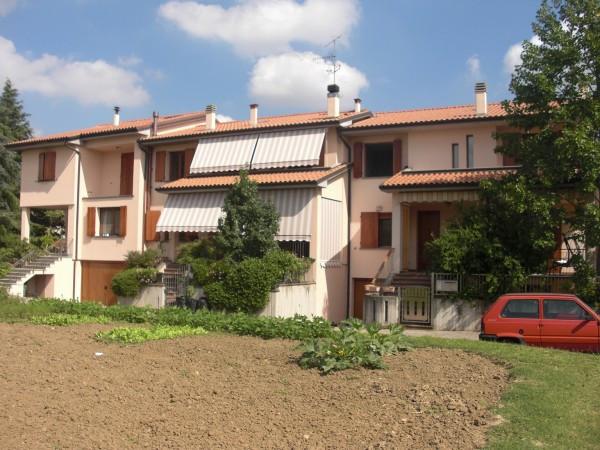 Villa a Schiera in vendita a Castel San Pietro Terme, 6 locali, prezzo € 400.000 | Cambio Casa.it