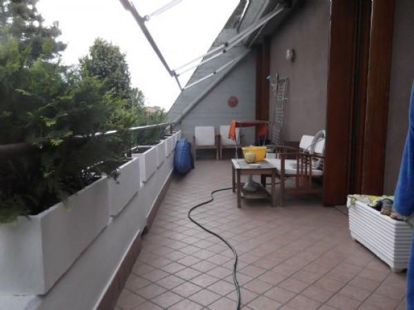 Appartamento in vendita a Rodano, 4 locali, prezzo € 250.000 | Cambio Casa.it