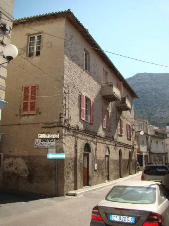 Negozio / Locale in vendita a Dorgali, 1 locali, prezzo € 55.000 | CambioCasa.it