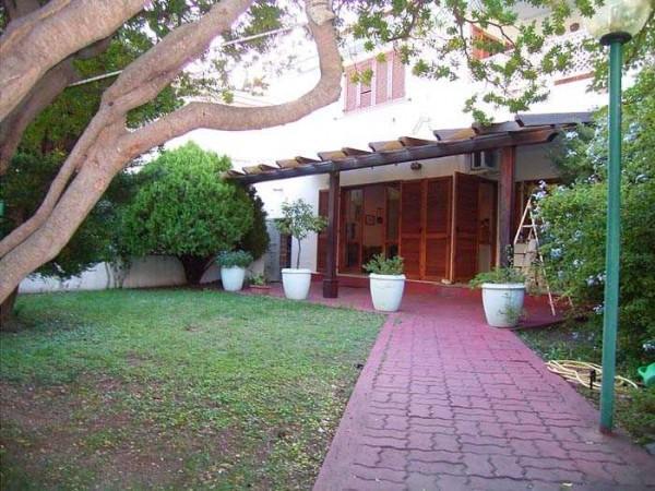 Appartamento in vendita a Dorgali, 5 locali, prezzo € 315.000 | CambioCasa.it