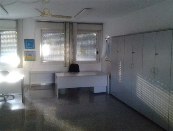 Ufficio-studio in Affitto a Correggio Centro: 1 locali, 60 mq