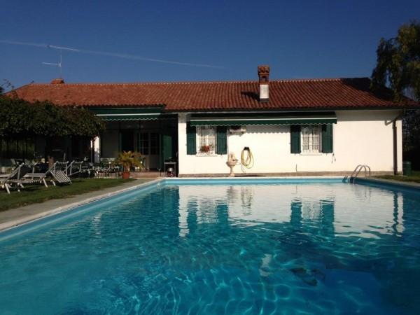 Villa in vendita a San Colombano al Lambro, 5 locali, prezzo € 850.000 | Cambio Casa.it