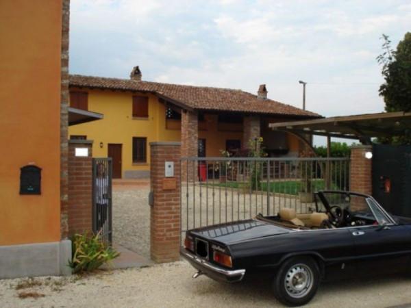 Rustico / Casale in vendita a Cremona, 5 locali, Trattative riservate | CambioCasa.it