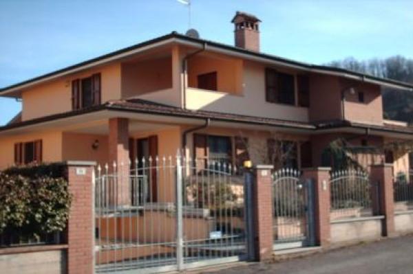 Villa in vendita a San Colombano al Lambro, 4 locali, prezzo € 395.000 | Cambio Casa.it