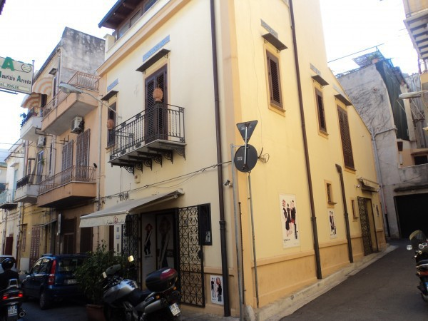 Appartamento in vendita a Bagheria, 5 locali, prezzo € 120.000   Cambio Casa.it