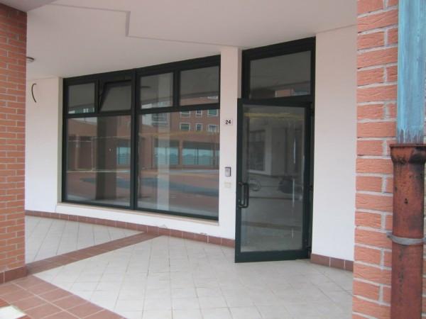 Negozio / Locale in affitto a Verona, 2 locali, zona Zona: 8 . San Michele, prezzo € 550 | Cambio Casa.it