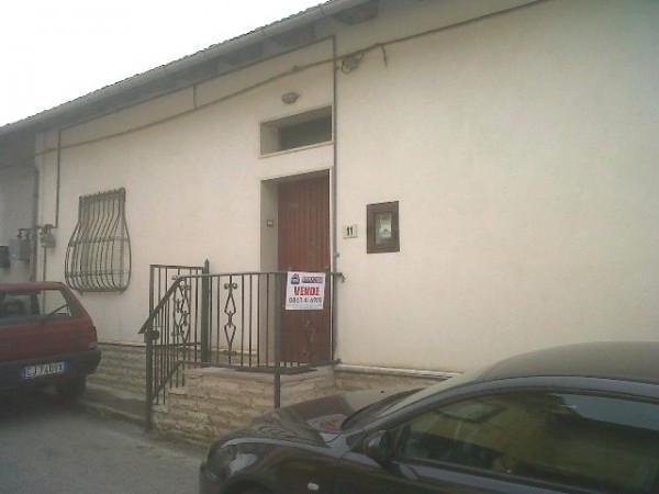 Soluzione Indipendente in vendita a Pescina, 4 locali, prezzo € 39.000 | Cambio Casa.it