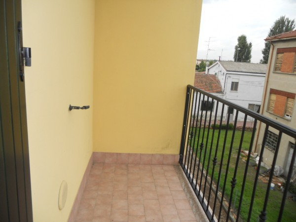 Appartamento in vendita a Reggiolo, 3 locali, prezzo € 90.000 | CambioCasa.it