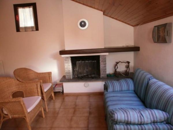Appartamento in vendita a Chiesa in Valmalenco, 3 locali, prezzo € 90.000 | Cambio Casa.it