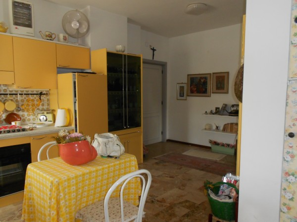 Bilocale Pineto Via I Maggio 1