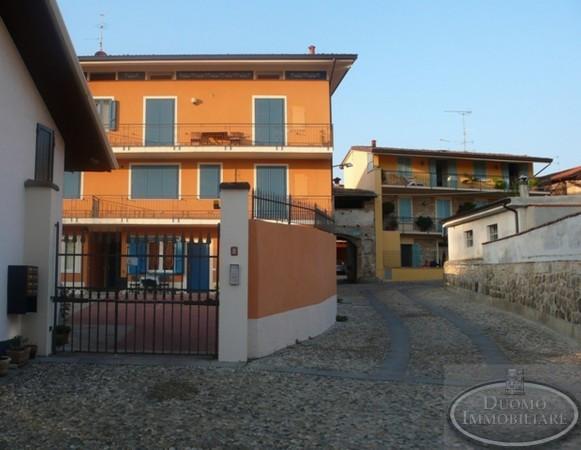 Appartamento in vendita a Ome, 6 locali, prezzo € 120.000 | Cambio Casa.it