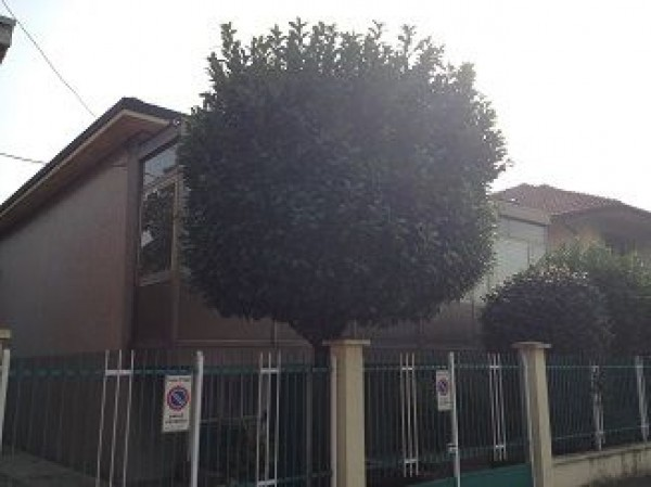 Villa in vendita a Muggiò, 9999 locali, prezzo € 390.000 | Cambiocasa.it