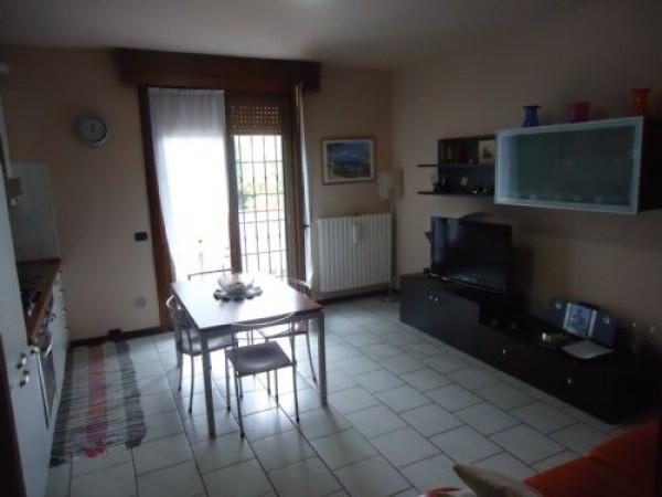 Appartamento in vendita a San Prospero, 4 locali, prezzo € 85.000   CambioCasa.it