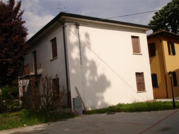 Villa in vendita a Argenta, 6 locali, prezzo € 198.000 | Cambio Casa.it