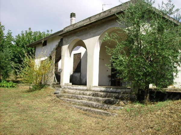 Villa in vendita a Sant'Angelo d'Alife, 6 locali, prezzo € 165.000 | Cambio Casa.it