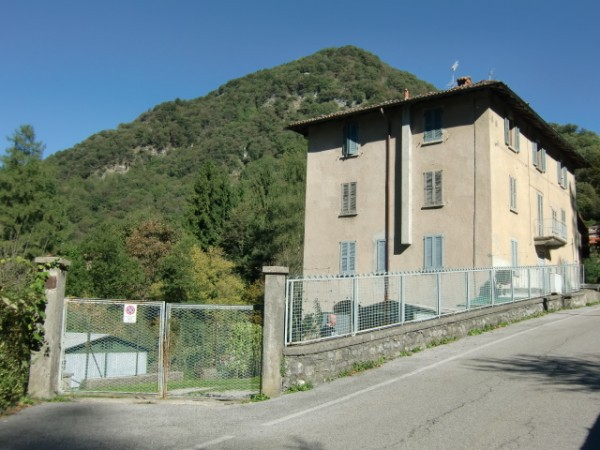 Appartamento in vendita a Lasnigo, 4 locali, prezzo € 45.000 | CambioCasa.it