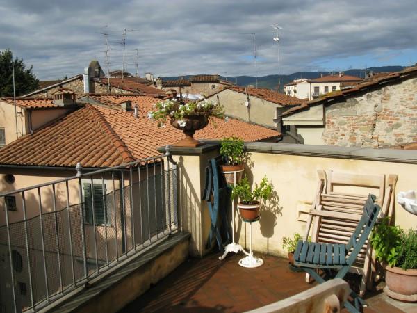 Appartamento in vendita a Pistoia, 6 locali, prezzo € 325.000 | Cambio Casa.it