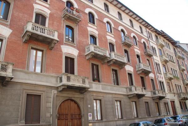 Appartamento in Affitto a Torino Centro: 2 locali, 40 mq