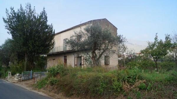 Villa in vendita a Piana di Monte Verna, 6 locali, prezzo € 129.000 | CambioCasa.it