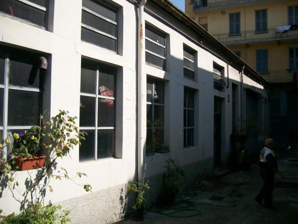 Capannone in vendita a Milano, 3 locali, zona Zona: 11 . Barona, Giambellino, Lorenteggio, Famagosta, prezzo € 450.000 | Cambio Casa.it
