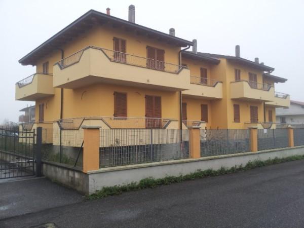 Villa a Schiera in vendita a Orio Litta, 4 locali, prezzo € 155.000 | Cambio Casa.it