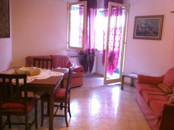 Appartamento in affitto a Massa, 9999 locali, prezzo € 650 | CambioCasa.it