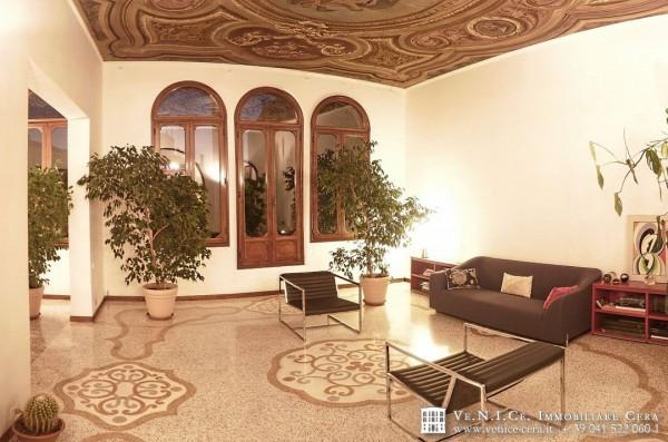 Appartamento in affitto a Venezia, 6 locali, zona Zona: 3 . Cannaregio, prezzo € 2.150   Cambio Casa.it
