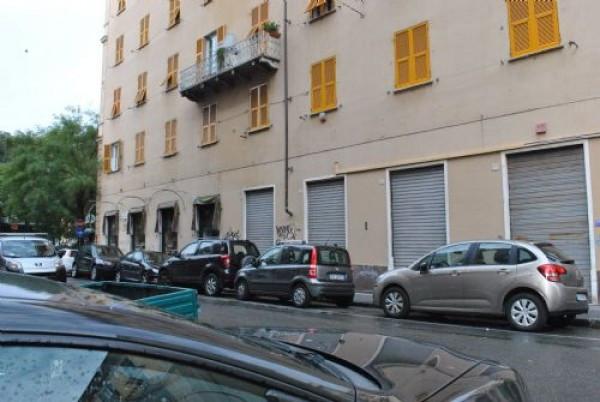 Negozio / Locale in affitto a Genova, 9999 locali, zona Zona: 4 . S.Fruttuoso-Borgoratti-S.Martino, prezzo € 2.300   Cambio Casa.it