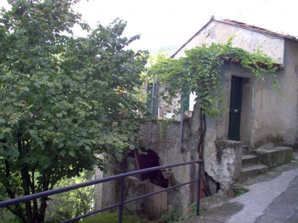 Soluzione Indipendente in vendita a Sesta Godano, 6 locali, prezzo € 60.000 | Cambio Casa.it