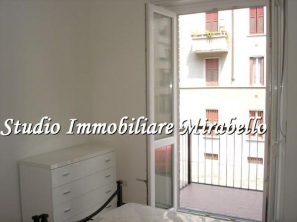 Bilocale Milano Via Neera 5