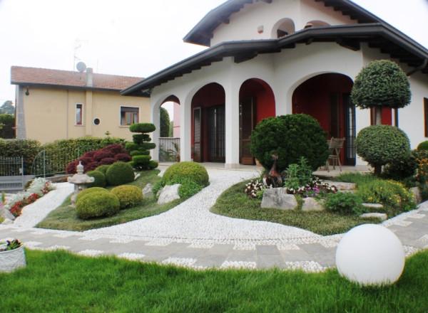 Villa in vendita a Carnago, 6 locali, prezzo € 700.000 | Cambio Casa.it