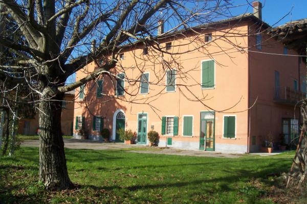 Palazzo / Stabile in Vendita a Molinella