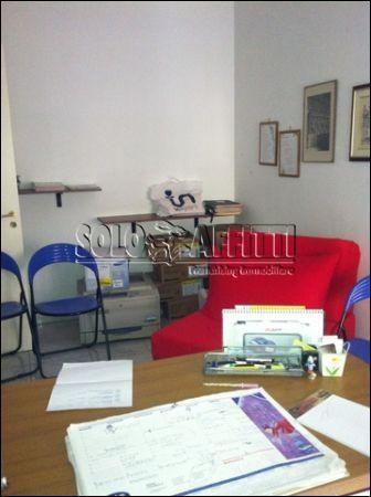 Ufficio / Studio in affitto a Pescara, 1 locali, prezzo € 400 | CambioCasa.it