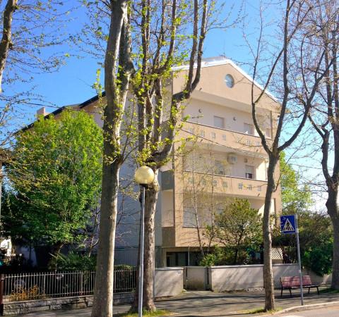Appartamento in vendita a Cesenatico, 4 locali, prezzo € 299.000 | CambioCasa.it