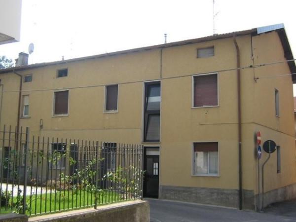 Bilocale Merone Via Francesco Petrarca 13
