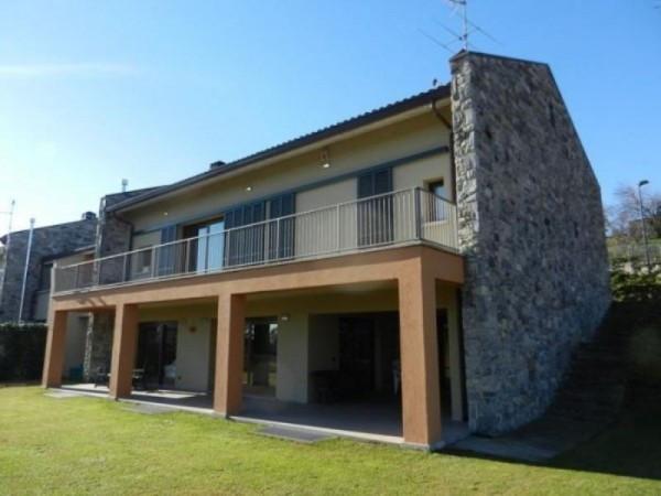 Villa in vendita a Orsenigo, 10 locali, prezzo € 630.000 | Cambiocasa.it