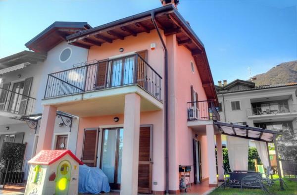 Villa a Schiera in vendita a Baveno, 6 locali, prezzo € 490.000 | Cambio Casa.it