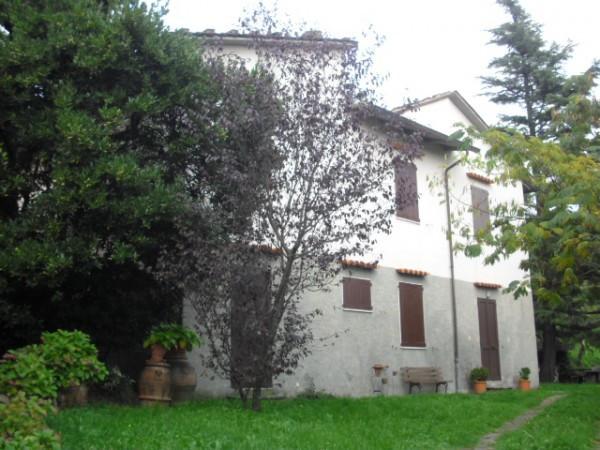 Villa in vendita a Pistoia, 6 locali, prezzo € 230.000 | Cambio Casa.it