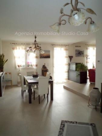 Villa in vendita a Gradara, 6 locali, prezzo € 550.000 | CambioCasa.it