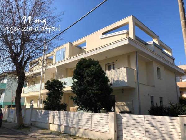 Appartamento in vendita a Cesenatico, 6 locali, prezzo € 620.000 | CambioCasa.it