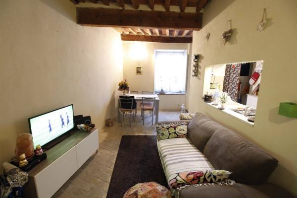 Bilocale Lucca Via Micheli Rosi 1