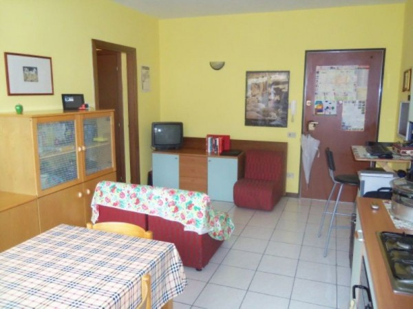 Bilocale Lucca Via Romana 2