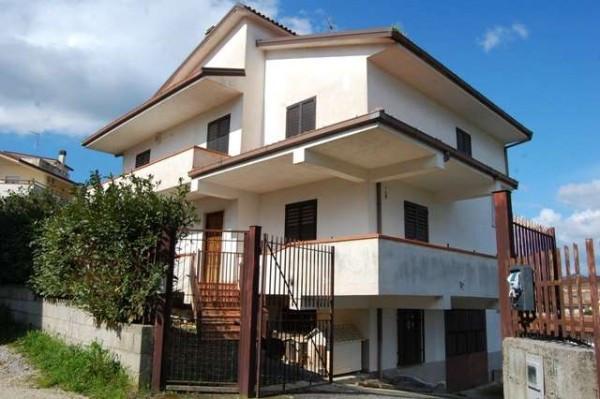 Villa in vendita a Alvignano, 6 locali, prezzo € 265.000 | Cambio Casa.it