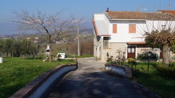 Rustico / Casale in vendita a Alvignano, 5 locali, prezzo € 145.000 | CambioCasa.it